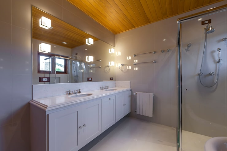 Projekty,  Łazienka zaprojektowane przez VNK Arquitetura e Interiores