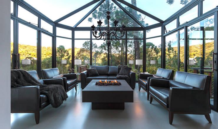 Salas / recibidores de estilo  por VNK Arquitetura e Interiores