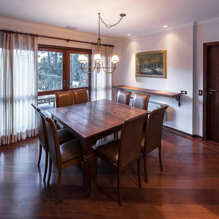 Столовые комнаты в . Автор – VNK Arquitetura e Interiores