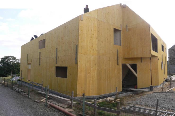 Chantier: Maisons de style de style Moderne par corbacreative sprl