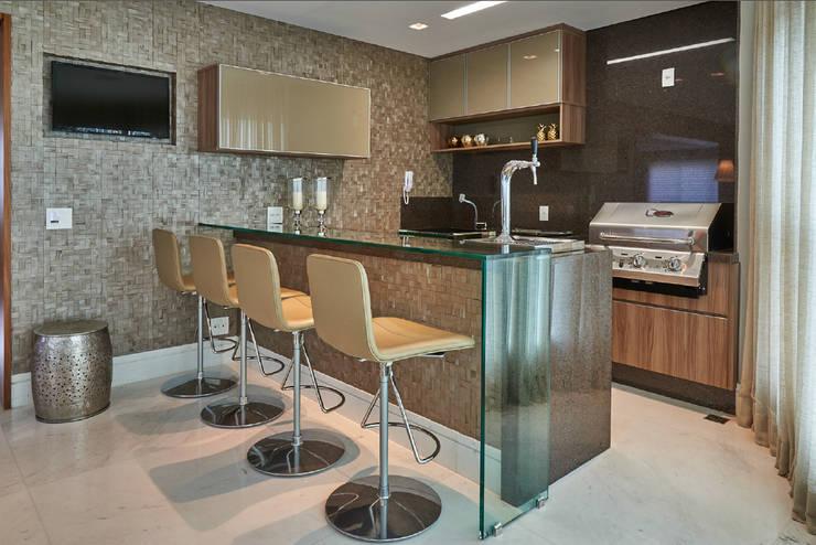 Apartamento AP: Terraços  por Gláucia Britto