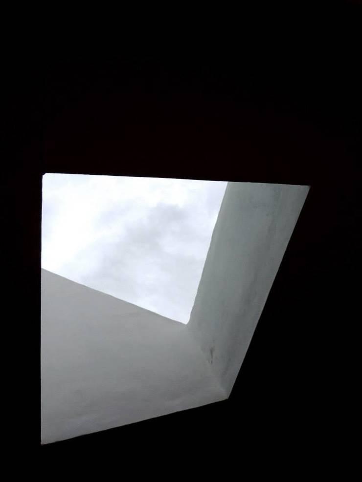 REMODELACION VIVIENDA <q>VDR</q> | VILLA DEL ROSARIO, CBA.: Ventanas de estilo  por Cabello Jalil Arquitectas