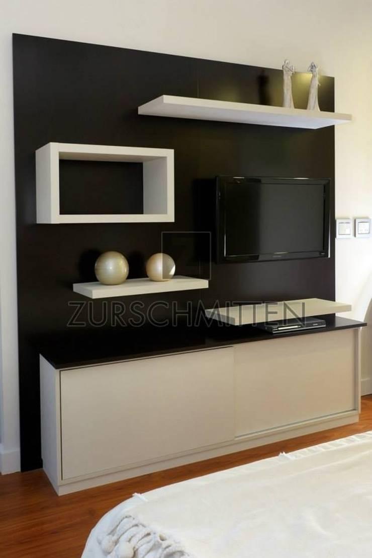 Dormitorios: Livings de estilo  por Zurschmitten