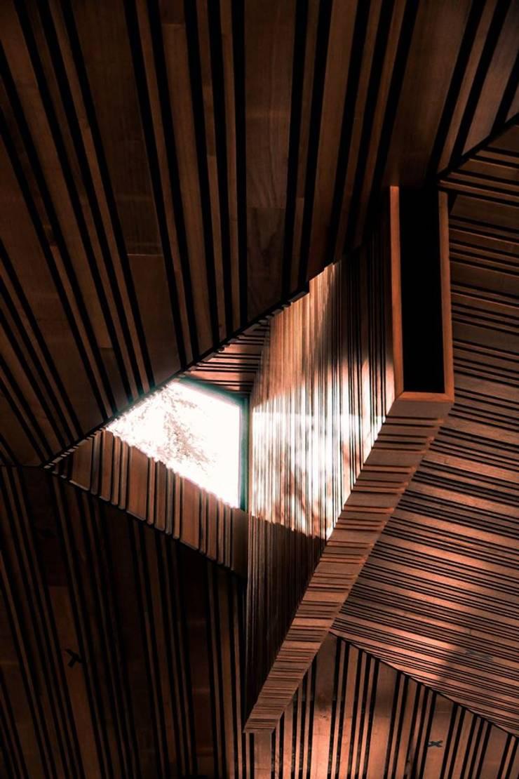 Quincho Adrogué: Terrazas de estilo  por DRMestudio,Moderno