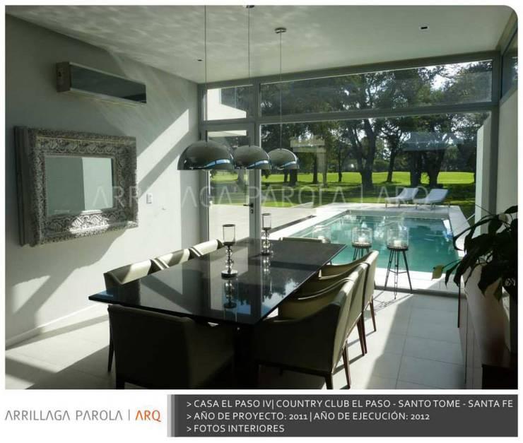 Casa El paso IV: Piletas de estilo  por ARRILLAGA&PAROLA