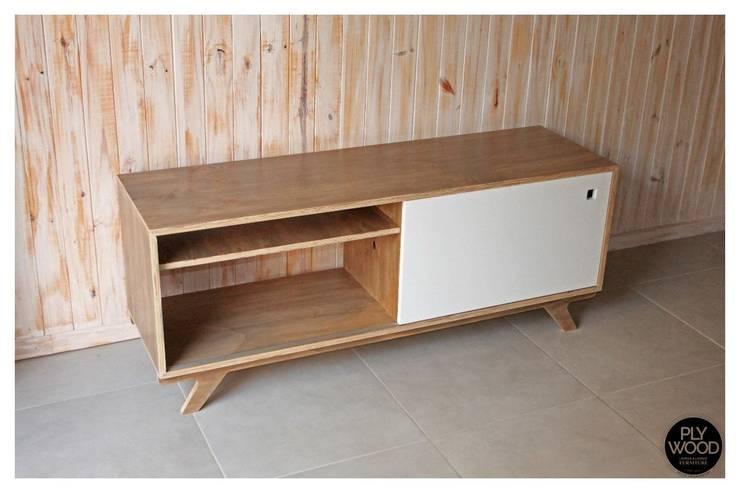 Muebles de Diseño Plywood: Livings de estilo  por Plywood,