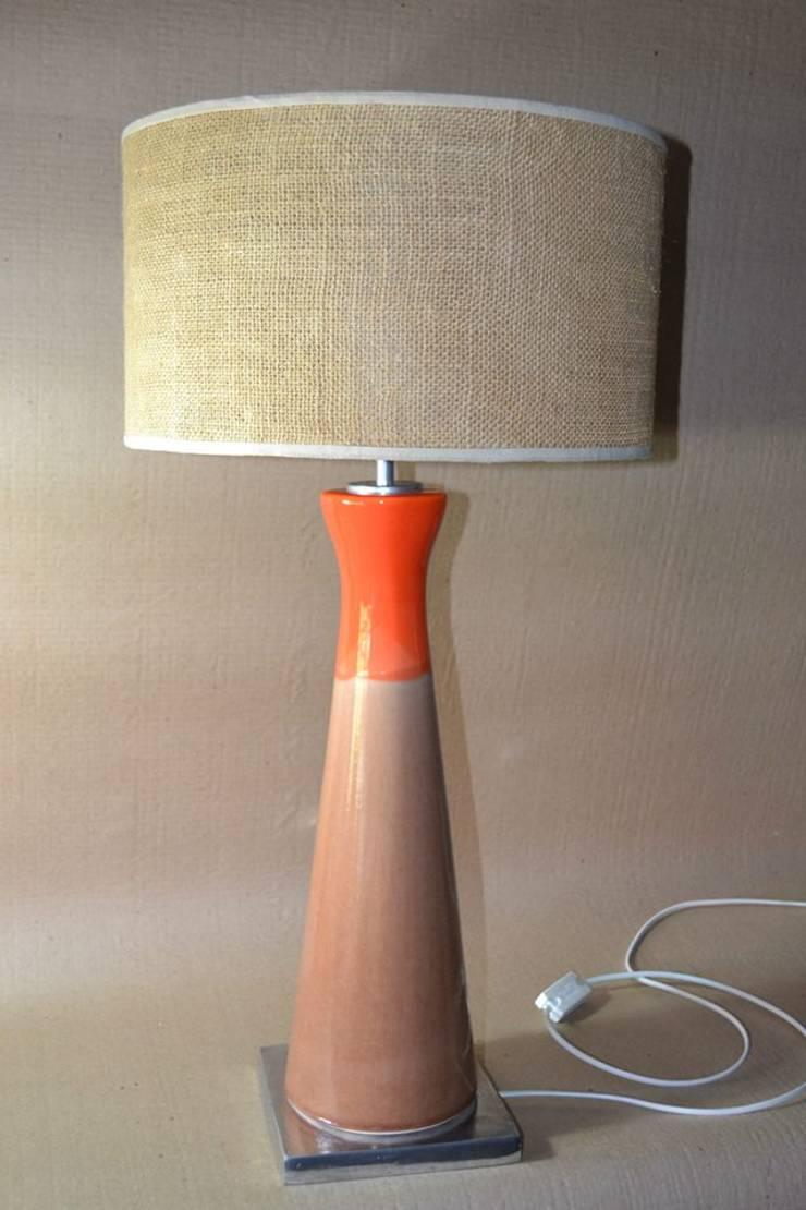 Lamparas: Livings de estilo  por Gama Design,