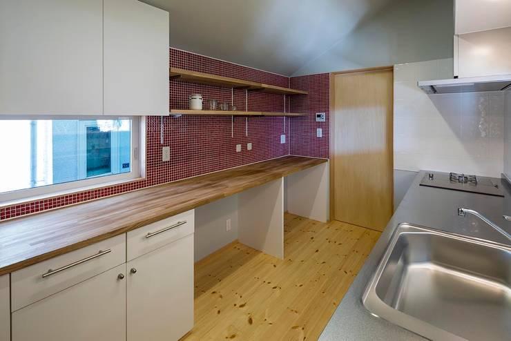キッチン: スズケン一級建築士事務所/Suzuken Architectural Design Officeが手掛けたキッチンです。