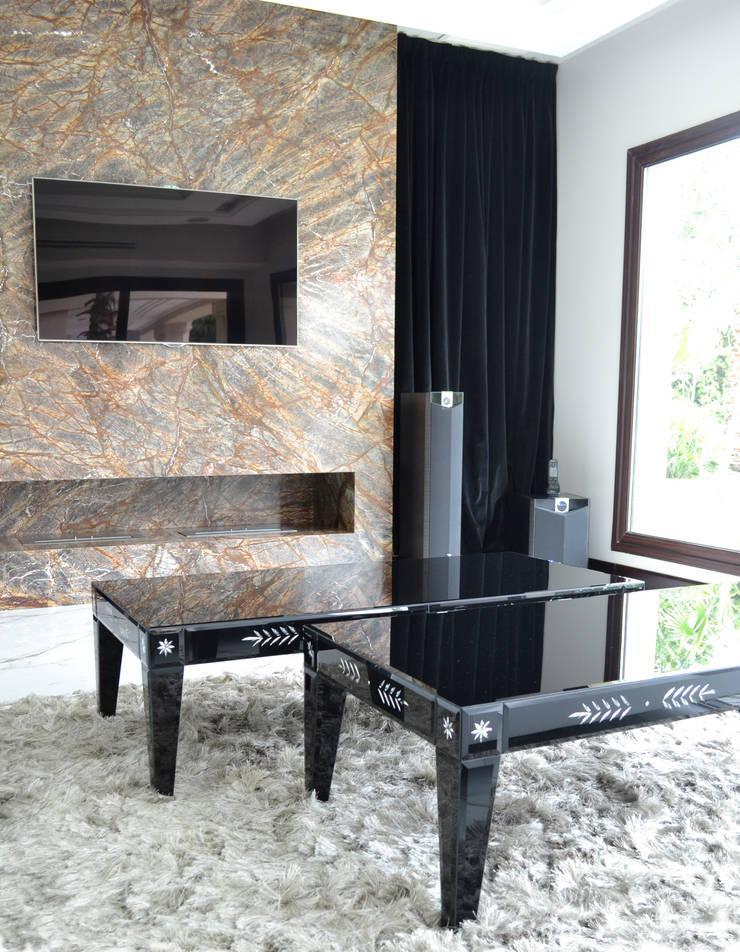 Casa 2: Livings de estilo  por Fontenla