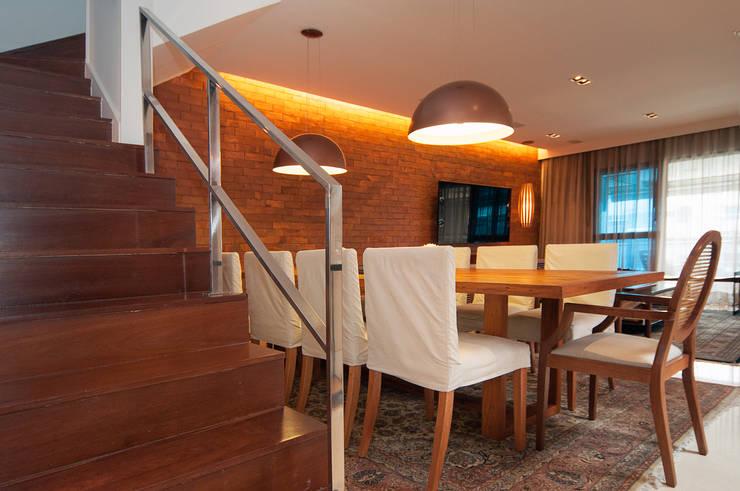 Av. Lúcio Costa: Terraços  por Alê Amado Arquitetura