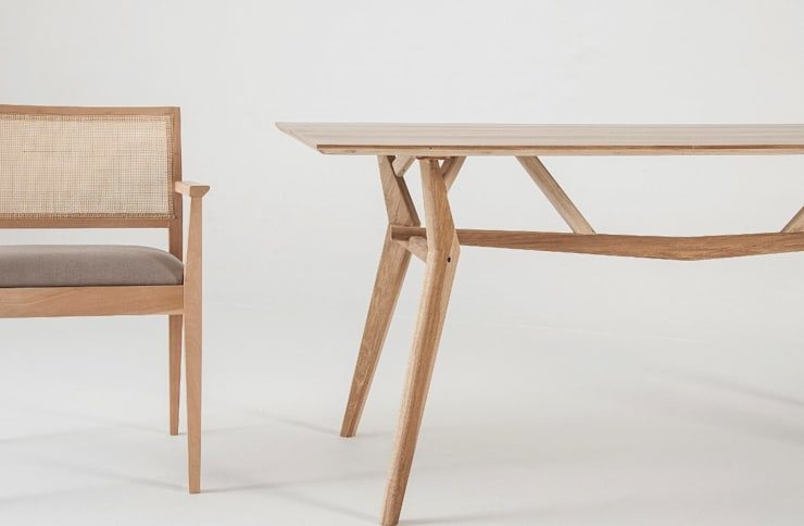 Muebles de diseño: Comedores de estilo  por Marini Estudio