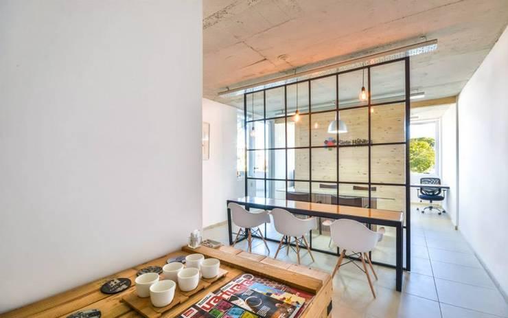 SIETE HABITOS OFICINAS: Oficinas y Tiendas de estilo  por HO ARQUITECTOS ,Moderno