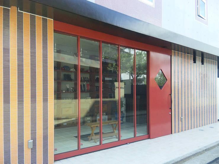 下北沢の賃貸マンション: ユミラ建築設計室が手掛けた家です。,