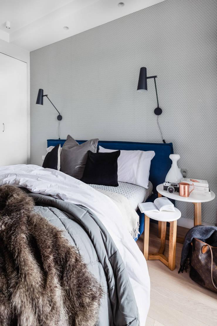 Our photoshoot of apartment design by JT Grupa Architects 2: styl , w kategorii Sypialnia zaprojektowany przez Ayuko Studio ,