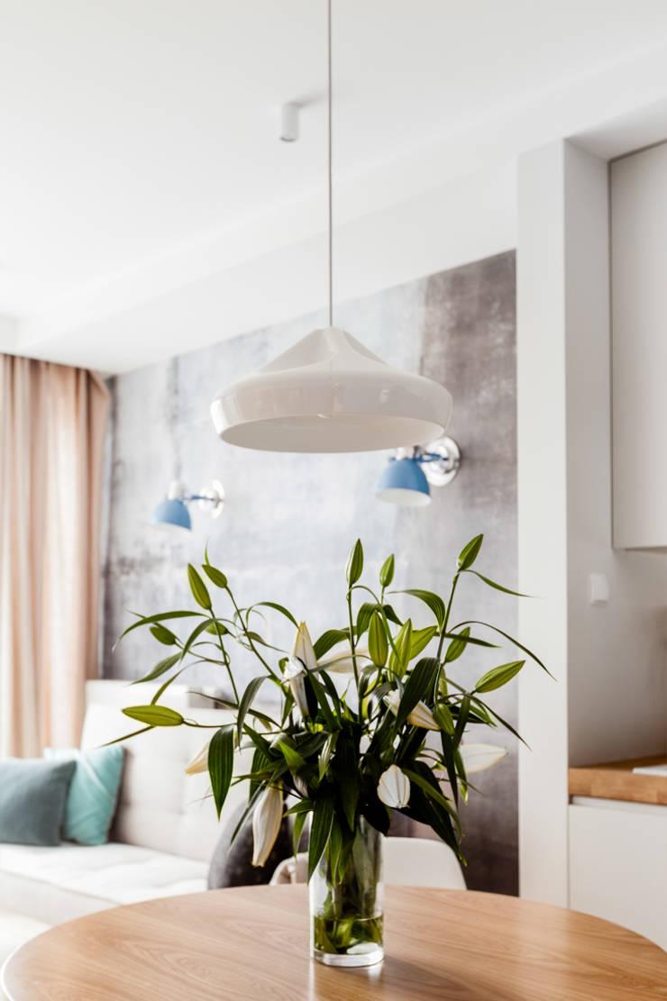 Our photoshoot of apartment design by JT Grupa Architects 2: styl , w kategorii Jadalnia zaprojektowany przez Ayuko Studio ,