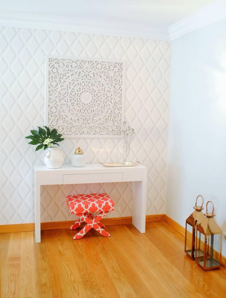 Brilho e Luz! - Decoração de sala de estar e jantar: Salas de estar  por White Glam
