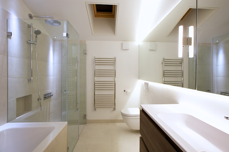 Bathroom by Nash Baker Architects Ltd