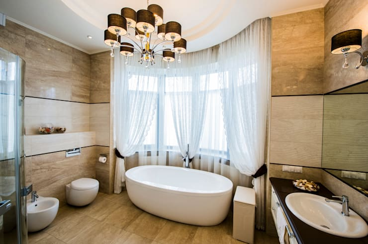 Bathroom by LUXER DESIGN