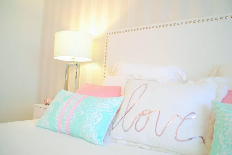 Projekty,  Sypialnia zaprojektowane przez White Glam