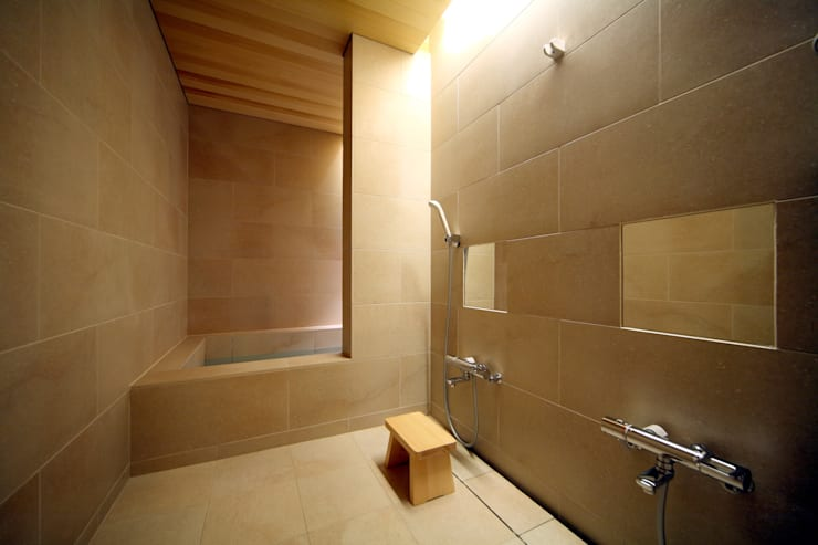 Bathroom by 花屋設計部