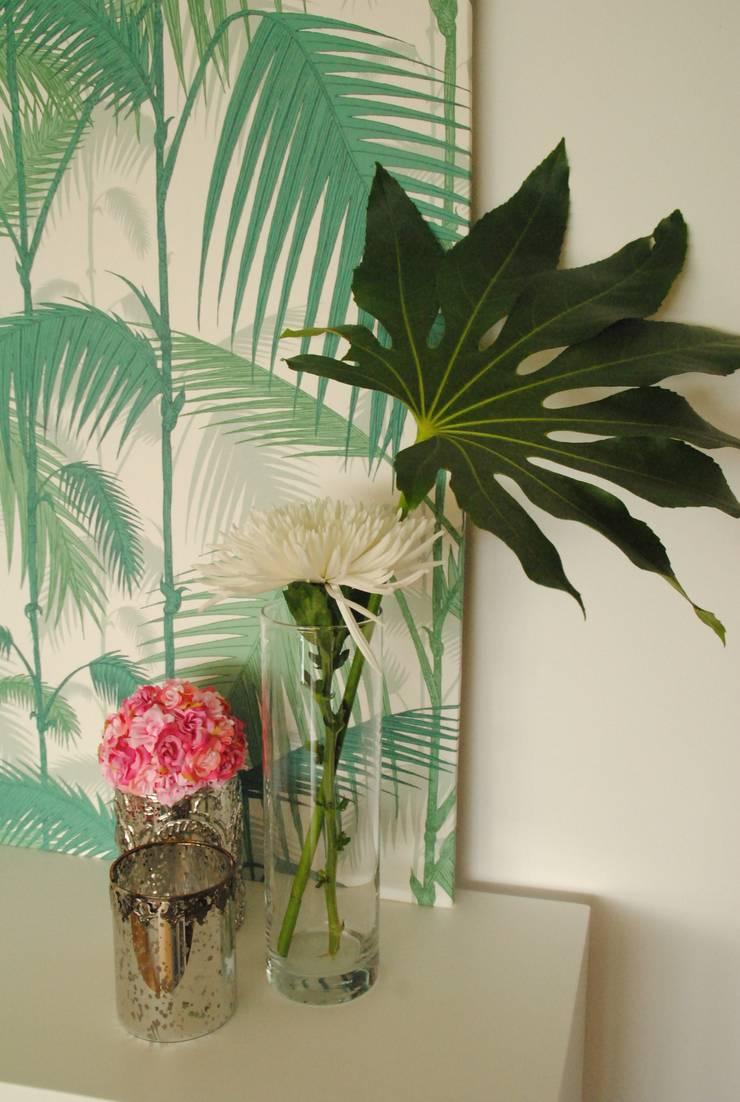 Pedaço de sol! – Decoração de sala de estar e jantar: Salas de estar  por White Glam