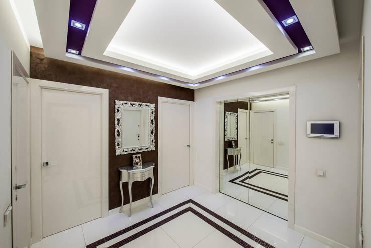 Квартира Командира воздушного судна Коридор, прихожая и лестница в стиле минимализм от LUXER DESIGN Минимализм