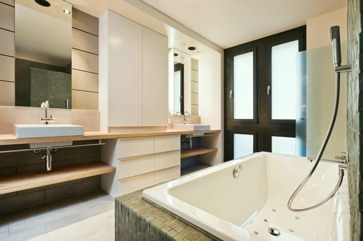 Badezimer:  Badezimmer von Giesser Architektur + Planung