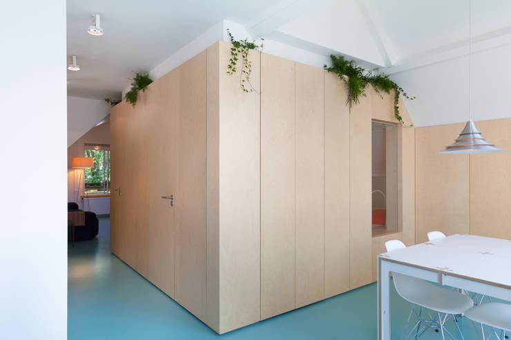 Amsterdam Urban Loft:  Eetkamer door Bureau Fraai