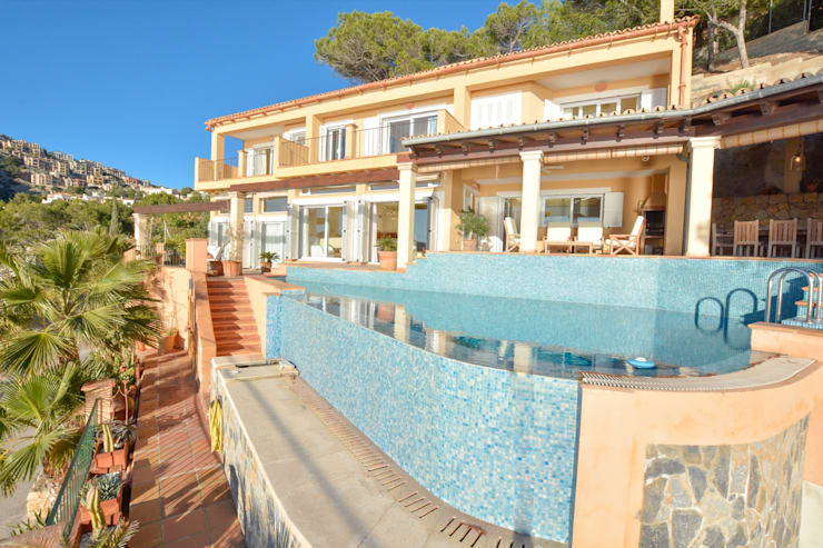VILLA IN ERSTER LINIE IN PORT ANDRATX:   von Element 5 Mallorca S.L.U.