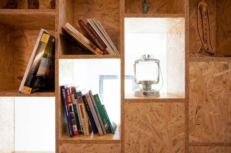 Projekt wnętrz domu w Białołęce: styl , w kategorii  zaprojektowany przez mech.build,Skandynawski
