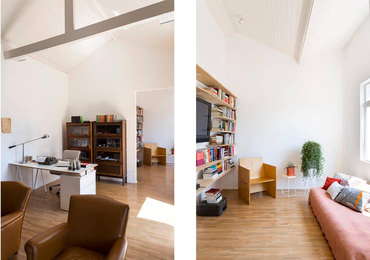 Soggiorno in stile in stile Minimalista di RSRG Arquitetos