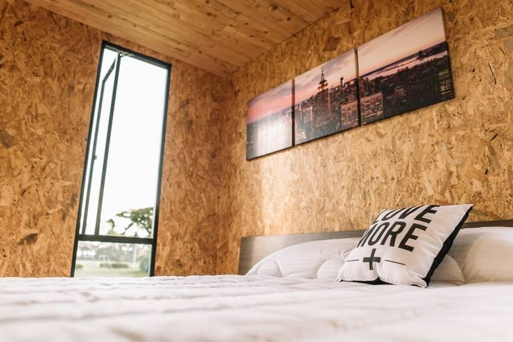 Dormitorios de estilo moderno por COLECTIVO CREATIVO