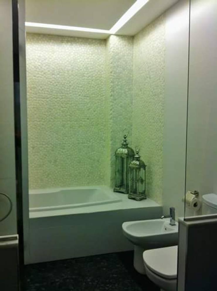 Aseo n°2: Baños de estilo  de IC & AIR ·Arquitectura ·Interiorismo ·Reformas