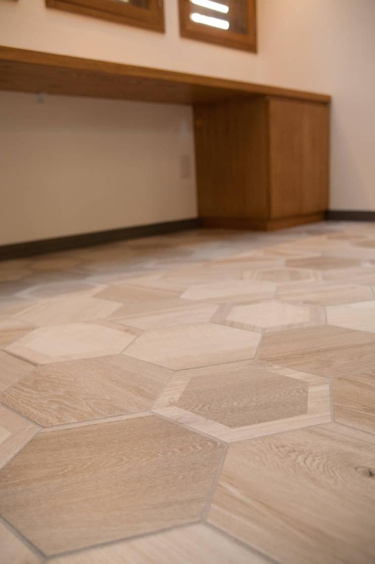 西宮市S様邸: デザインスタジオ グランキューブが手掛けた和室です。