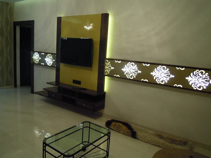 Punjabi's Residence.:  Living room by MAVERICK Architects