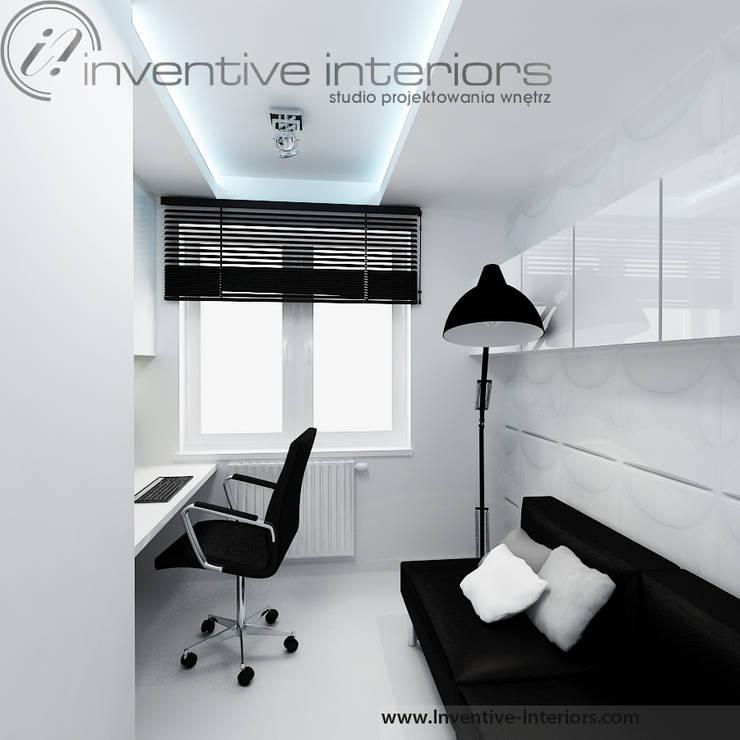 Minimalistyczny gabinet: styl , w kategorii Domowe biuro i gabinet zaprojektowany przez Inventive Interiors