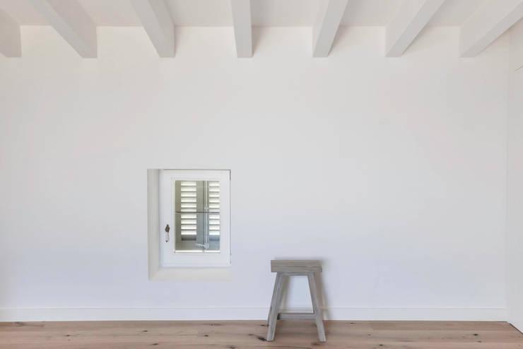 Chambre de style de style Rustique par munarq