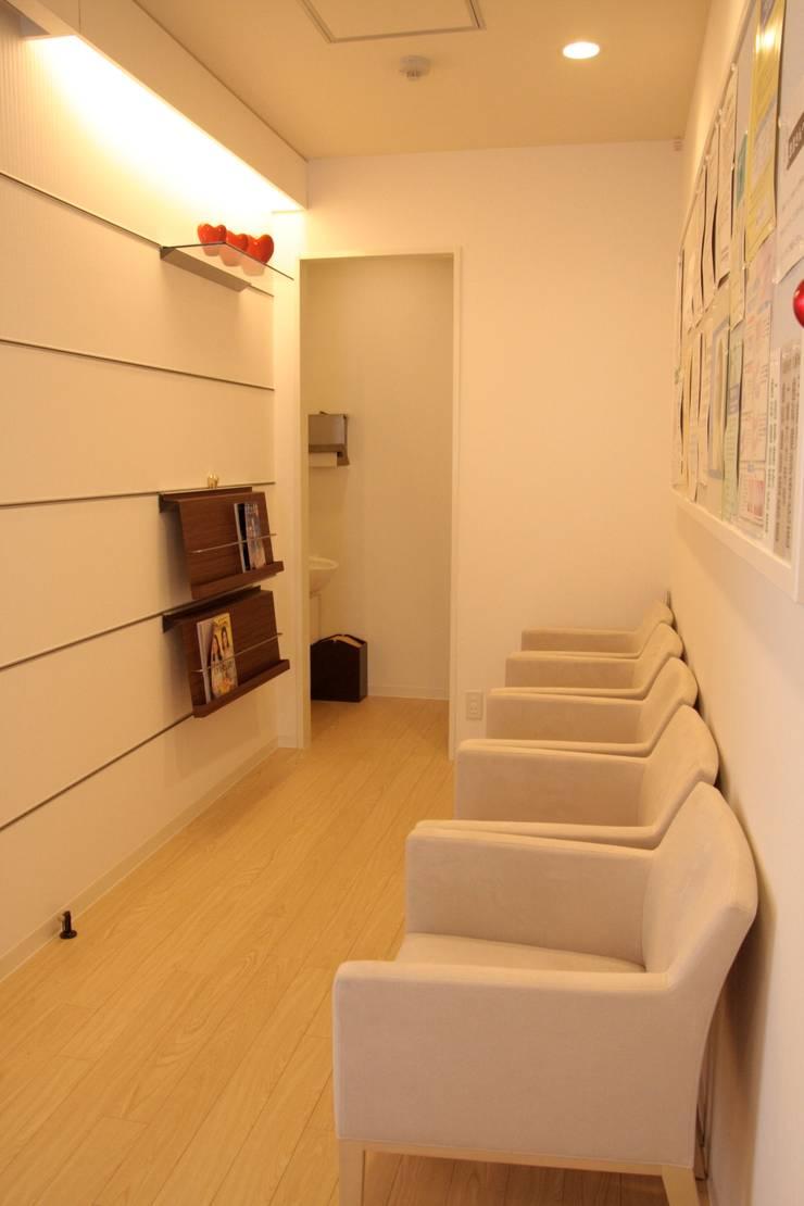 待合室1  Waiting room No1: ASut Designが手掛けたオフィス&店です。
