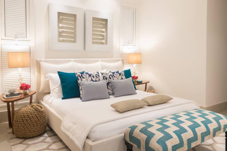 Schlafzimmer von Renata Matos Arquitetura & Business