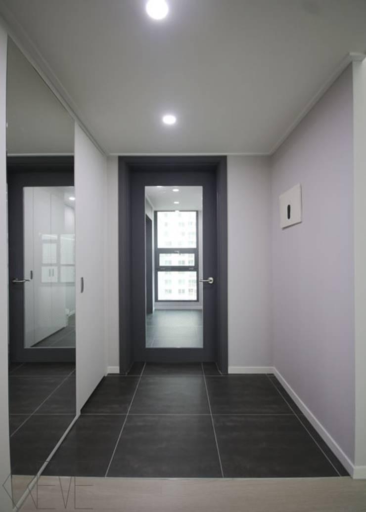 동탄아파트인테리어 반송동 시범다은마을 포스코더샵 33평 인테리어: 디자인스튜디오 레브의  복도 & 현관,모던
