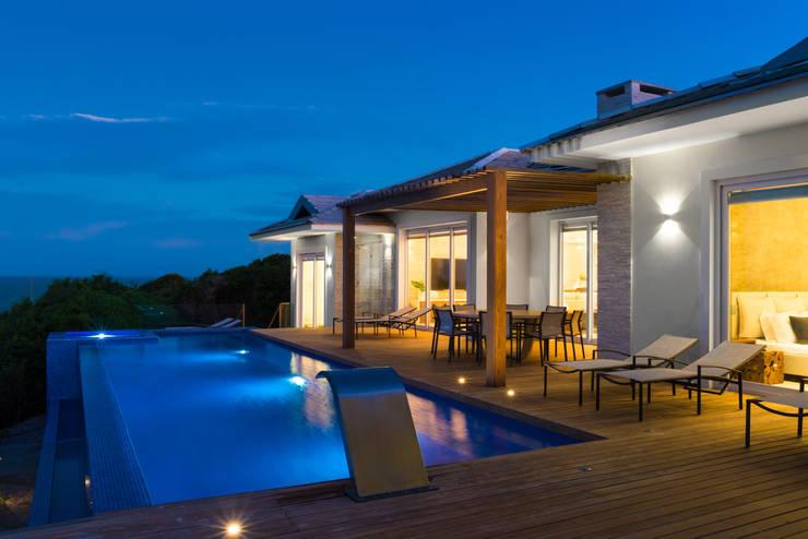 Casa WR: Terraços  por Renata Matos Arquitetura & Business