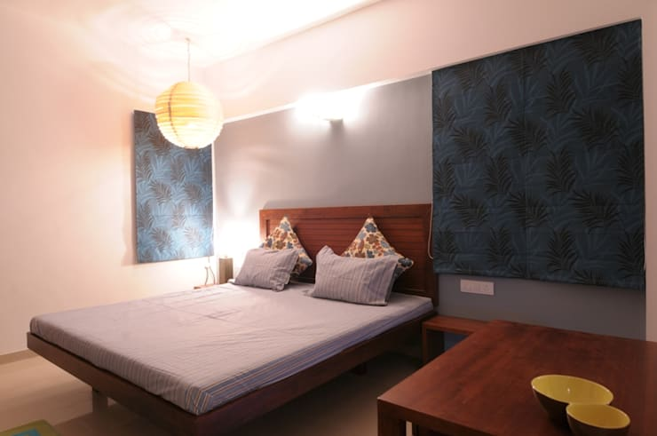 A SHOW APARTMENT:  Bedroom by Archana Shah & Associates