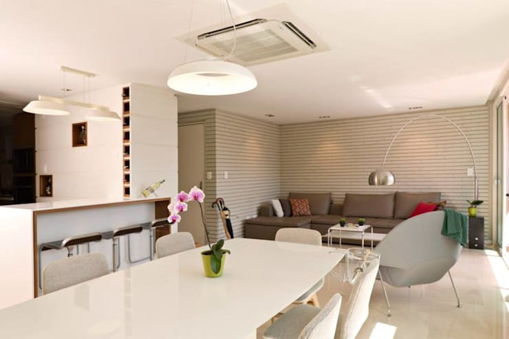 Apto. 31:  de estilo  por minima design & architecture studio