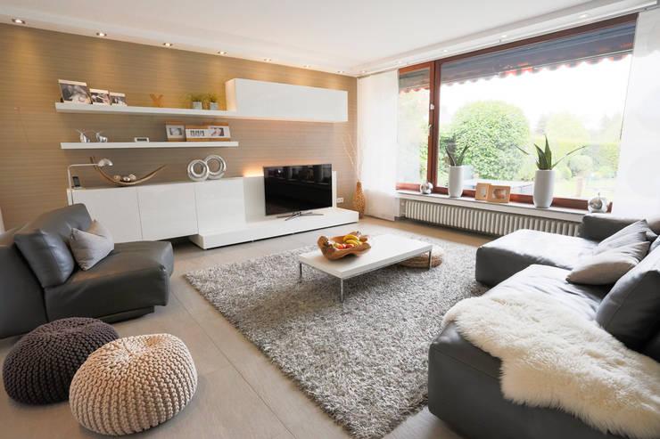 modern Living room by Zimmermanns Kreatives Wohnen