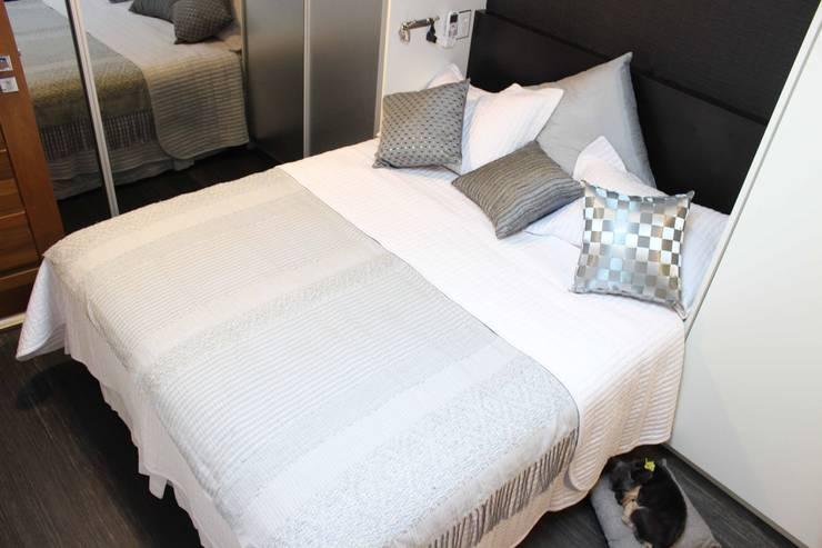 Bedroom by Lia Sakamoto Arquitetura,