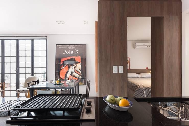 JA01 | Cobertura: Salas de estar  por Kali Arquitetura