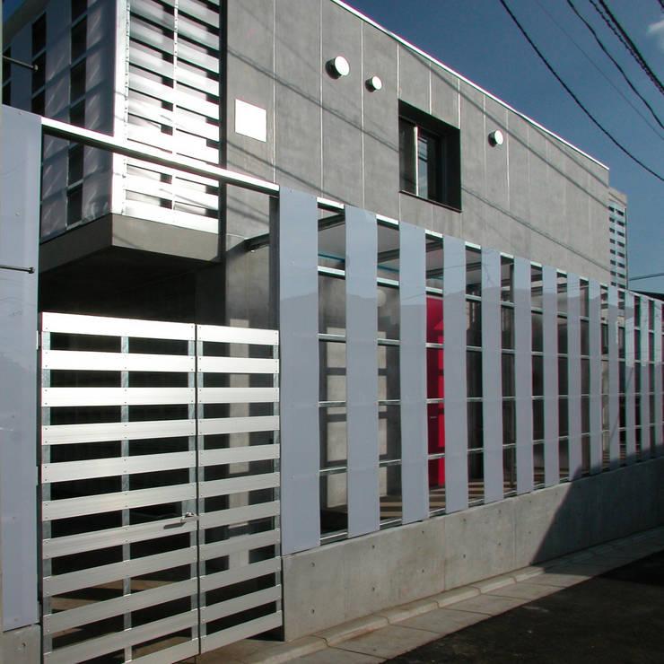 Houses by ユミラ建築設計室, Modern