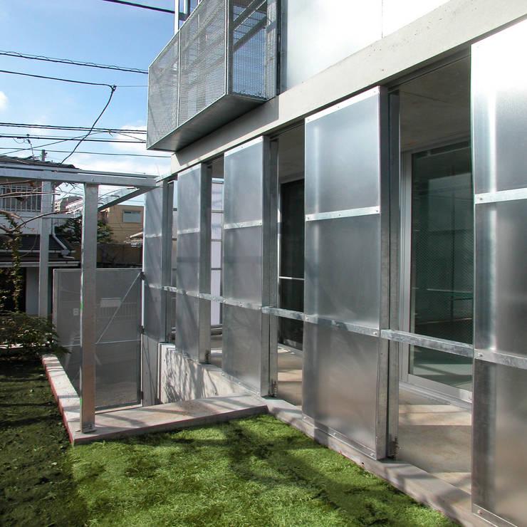 Terraços  por ユミラ建築設計室 , Moderno