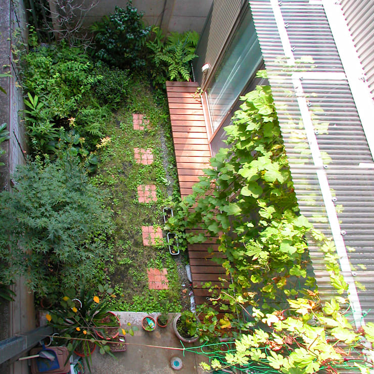 Patios & Decks by ユミラ建築設計室, Modern