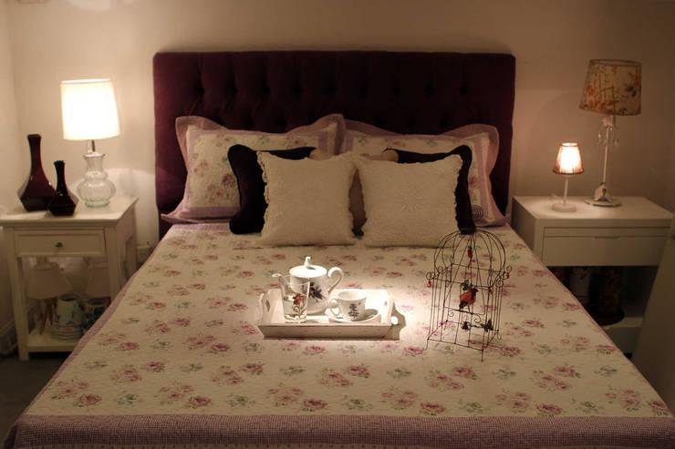 MUEBLES Y SILLONES: Dormitorios de estilo  por DISEÑO VIVO,